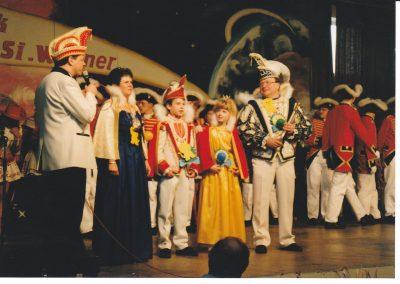 1995-906